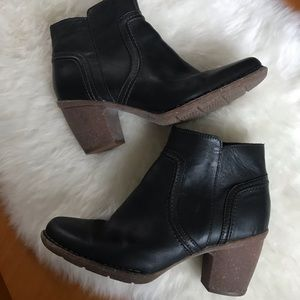 Clarks Ankle Booties Black Size 9